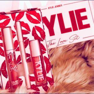 "💋New Kylie Cosmetics ""The Love Set"" Lip Trio💋"